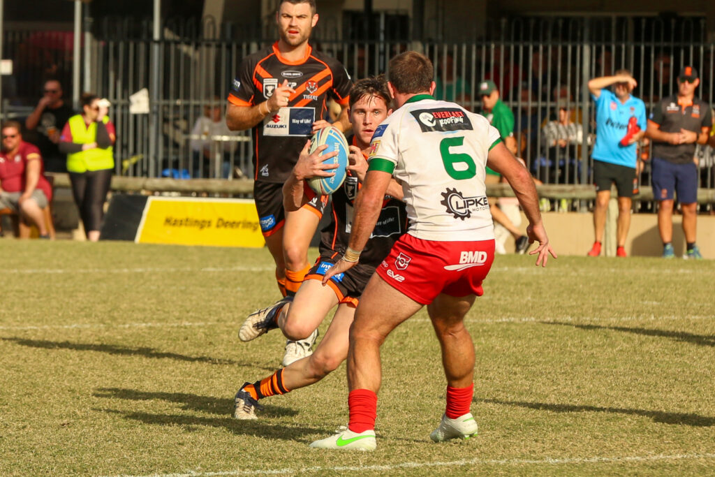 Ollie Pascoe with the ball.  Photo by Jorja Brinums/QRL